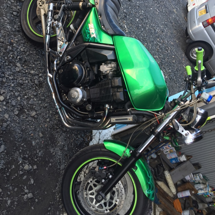 Kawasaki   ZRX400