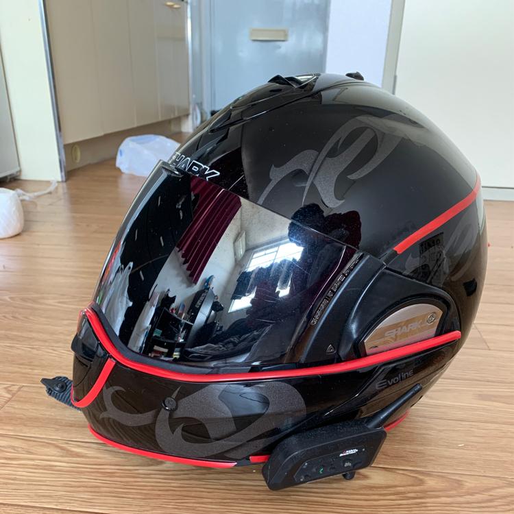 SHARKシステムヘルメット