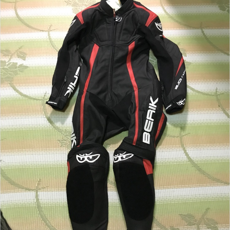 ベリック レーシングスーツ 新品 サイズ46