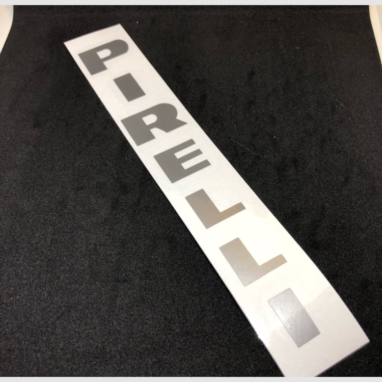 PIRELLI (ピレリ)縦  切り文字ステッカー