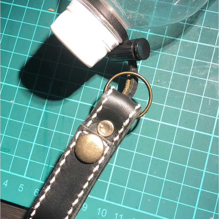 本革レザーベルトホルダー型ペットボトルドリンクホルダー