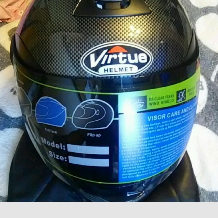 カーボンフルフェイスヘルメット